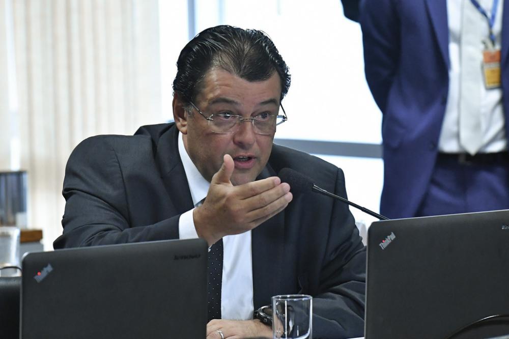 Eduardo Braga compra fiscalização de fronteiras de Sérgio Moro