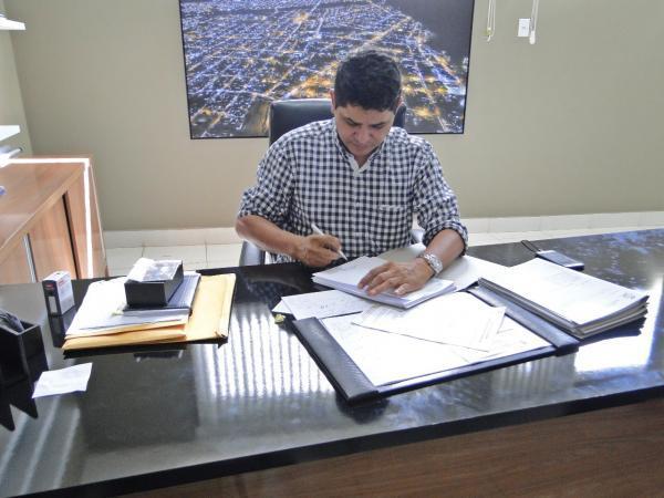 Reforma administrativa pode acontecer em Abril