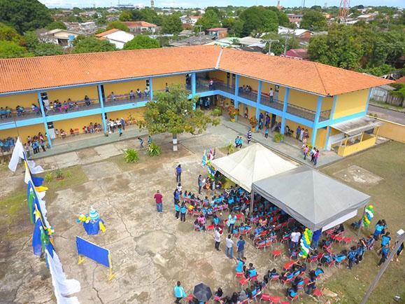Bi Garcia anuncia ginásio poliesportivo para a escola Charles Garcia