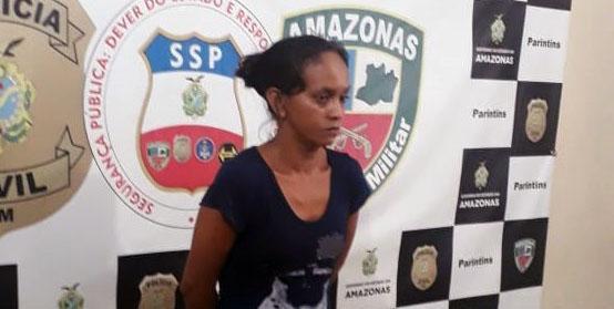 Mulher suspeita de furto em comércio transferida para o presídio