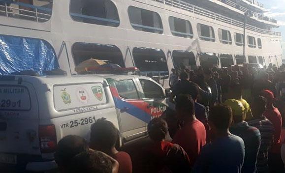 PM procura quadrilha em embarcações de linha