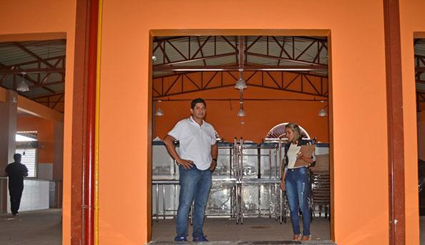 Em vistoria, prefeito anuncia reinauguração do Mercado Municipal para maio