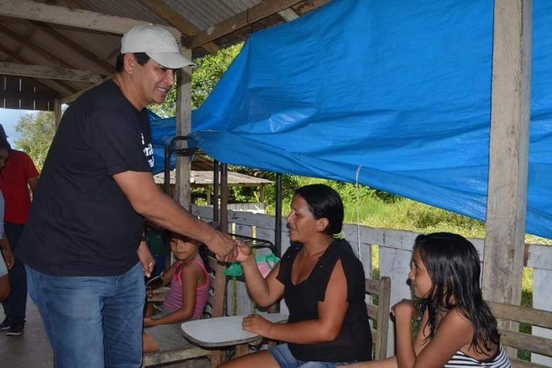 Prefeito visitou comunidade do Peixe Marinho, região do rio Uaicurapá