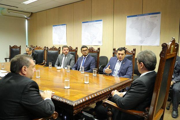Wilson Lima e ministro da Infraestrutura acertam detalhes de viagem pela BR-319