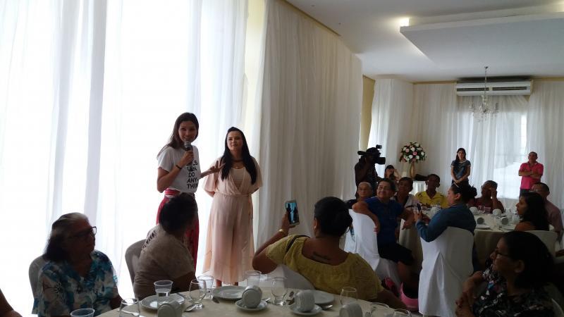 Ex-primeira dama de Parintins promove café da manhã para idosos e diz que Vanessa Gonçalves será sua porta-voz
