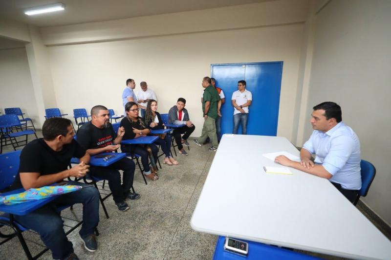 Governador Wilson Lima se reúne com comissão de professores, em Manicoré