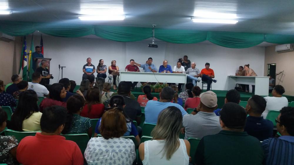 Prefeito anuncia reajuste salarial de servidores concursados municipais
