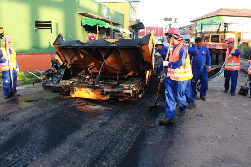 Governo do Estado e Prefeitura retomam recapeamento asfáltico em Parintins