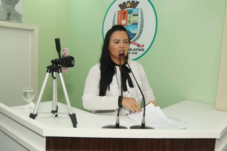 Educação: Vereadora Vanessa defende valorização dos professores