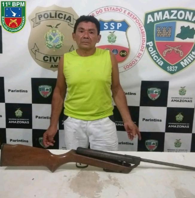 Polícia Militar prende homem por ameaçar moradora com uma espingarda em Parintins