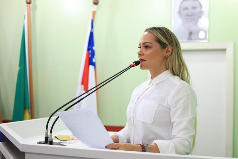 Parintins perde recursos do muro de arrimo por incompetência do prefeito, afirma Nêga Alencar
