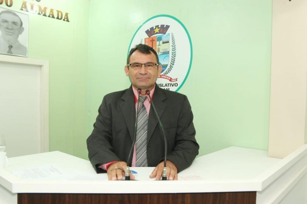 Afonso Caburi solicita manutenção do poço artesiano e da iluminação pública da Comunidade Monte Sinai