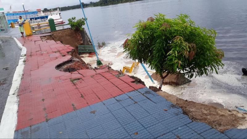 Parte do muro de arrimo de Nhamundá desaba devido a forte chuva que caiu na cidade