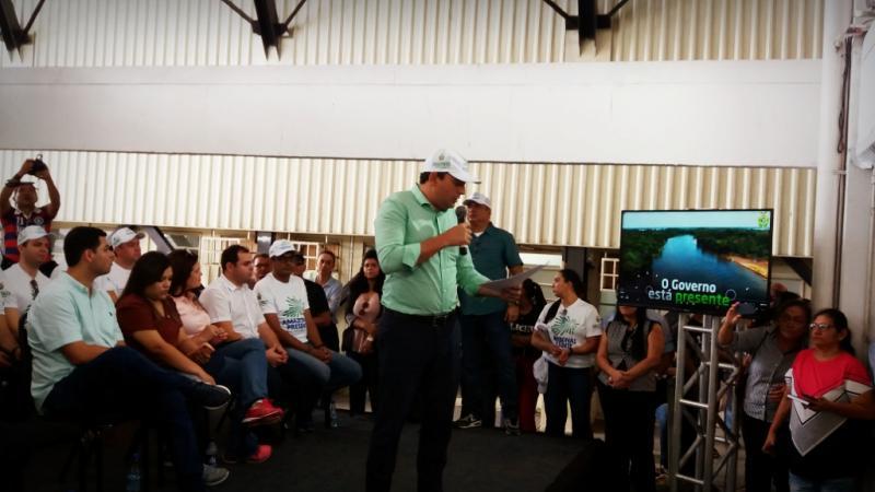 """Wilson Lima lança programa """"Amazonas Presente"""" e anuncia investimentos nos municípios do Baixo Amazonas"""