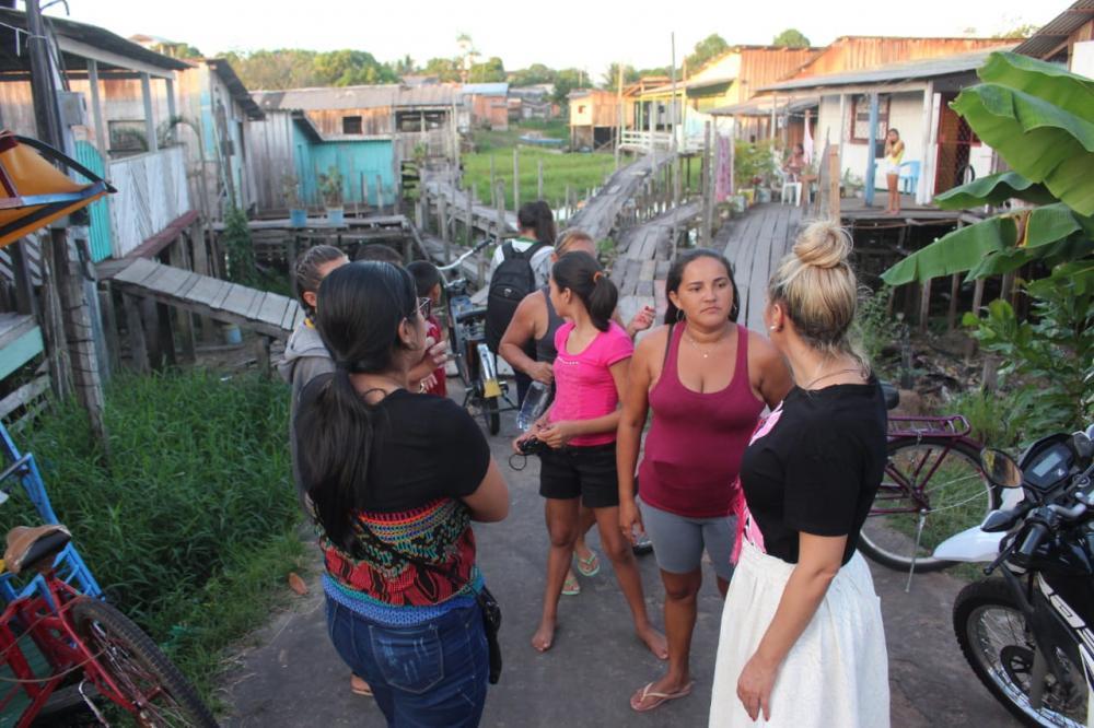Vereadora Nêga Alencar cobra manutenção de ponte na rua Itacoatiara