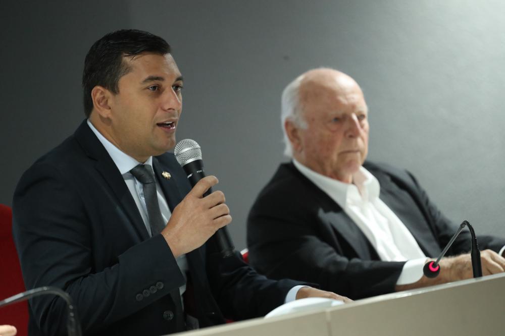Wilson Lima destaca reforma administrativa durante palestra de Jorge Gerdau