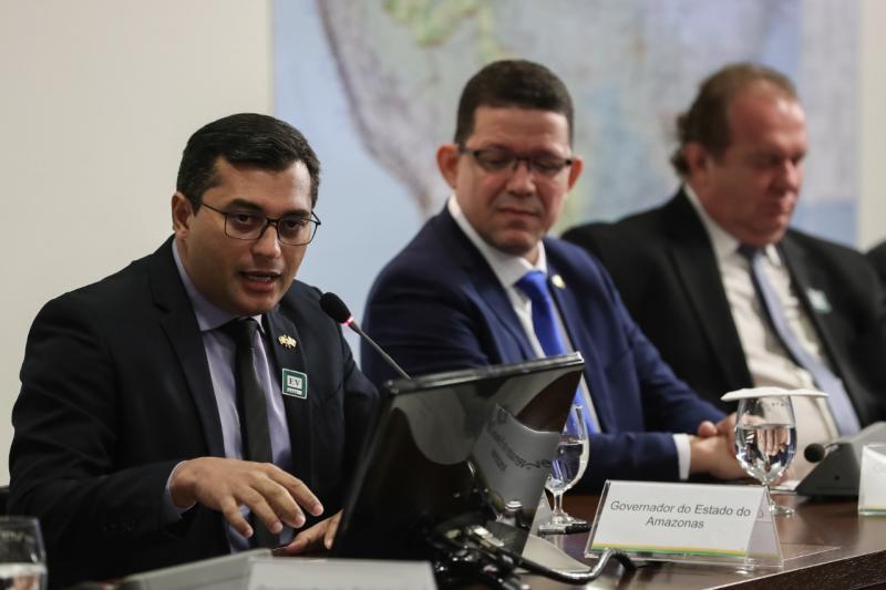 Wilson Lima defende política permanente para desenvolvimento sustentável, em reunião com Bolsonaro