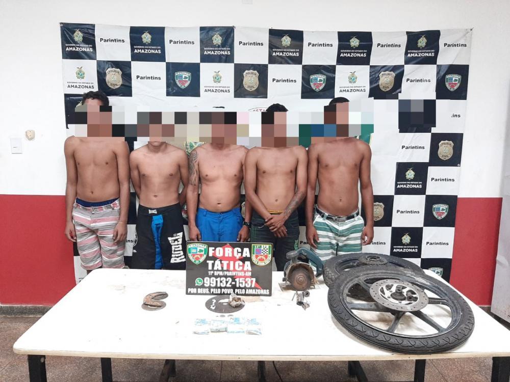 Força Tática detém quadrilha acusada de tráfico de drogas no Itaúna 2