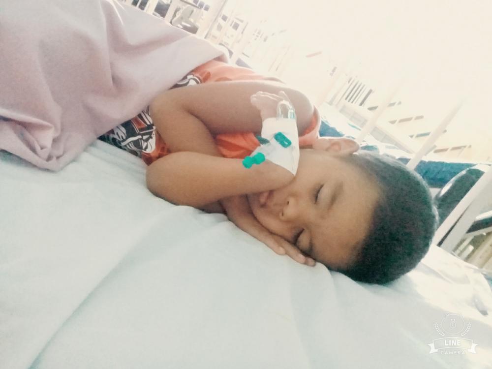 Criança de 4 anos é diagnosticada com doença aguda no rim e família faz apelo para ela iniciar tratamento em Manaus