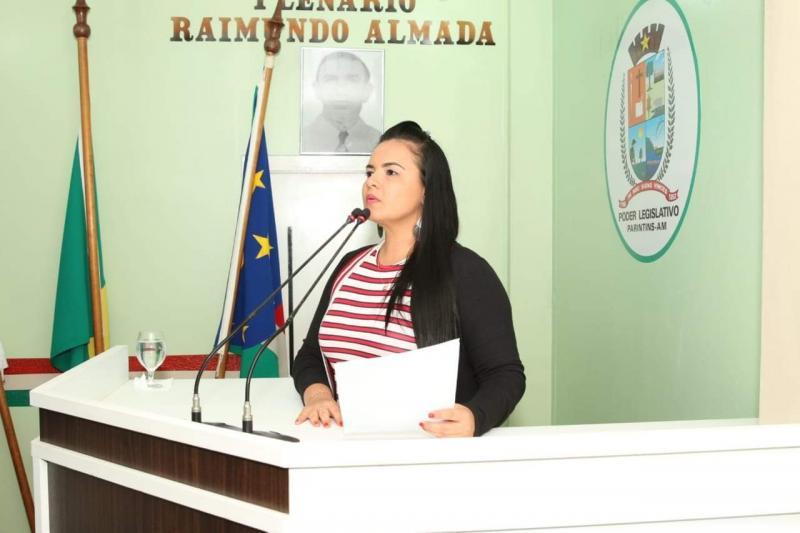 Vereadora Vanessa requer recursos para o município junto à Aleam