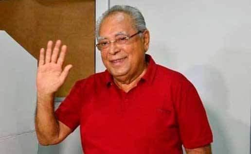 Amazonino Mendes anuncia saída do PDT