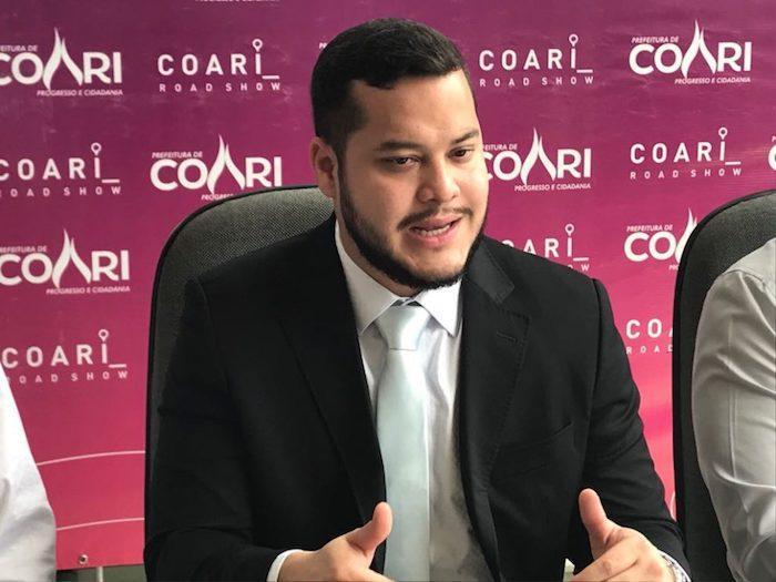 Pesquisa aponta que Adail Filho lidera com 53,8% das intenções de votos para continuar como prefeito de Coari