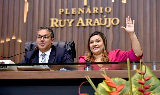 Deputados propõem e Governo acata uso de recursos da Afeam para pagar 13º salário