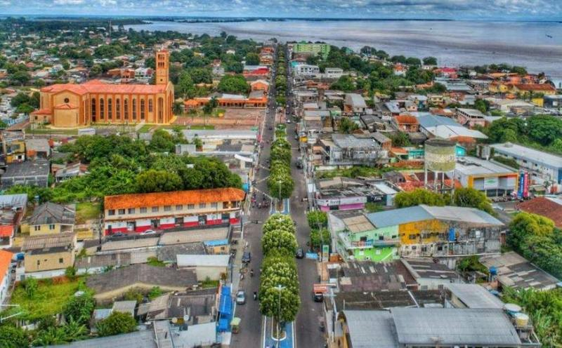 Parintins vista por outros olhares: Um contar de história sobre a ilha Tupinambarana através de depoimentos