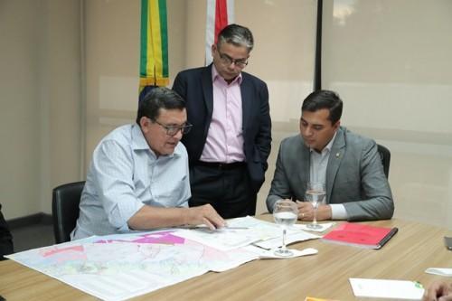Wilson Lima discute proposta para implantação de polo agroindustrial em Itacoatiara