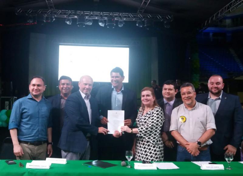 Assinatura do TAG para solucionar o problema do lixão em Parintins marca a abertura da Semana Nacional de Ciência e Tecnologia