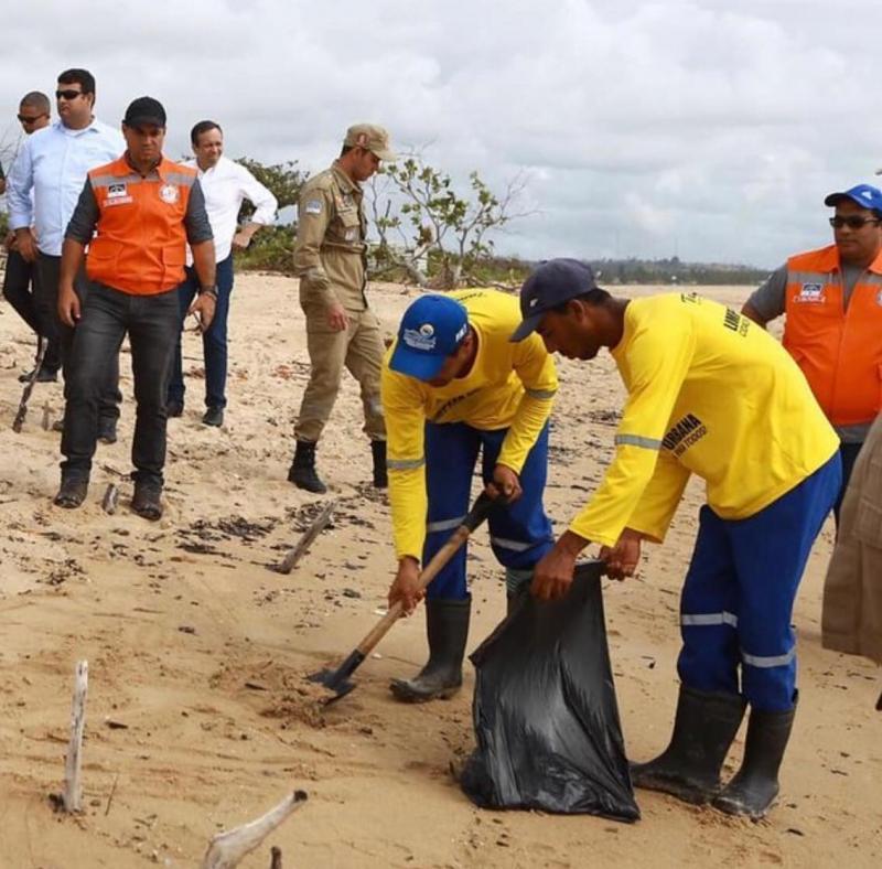 Justiça manda governo Bolsonaro iniciar imediatamente ações contra óleo no Nordeste