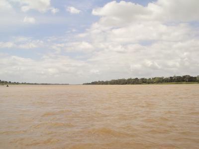 Duas canoas com agricultores naufragam no Paraná do Ramos