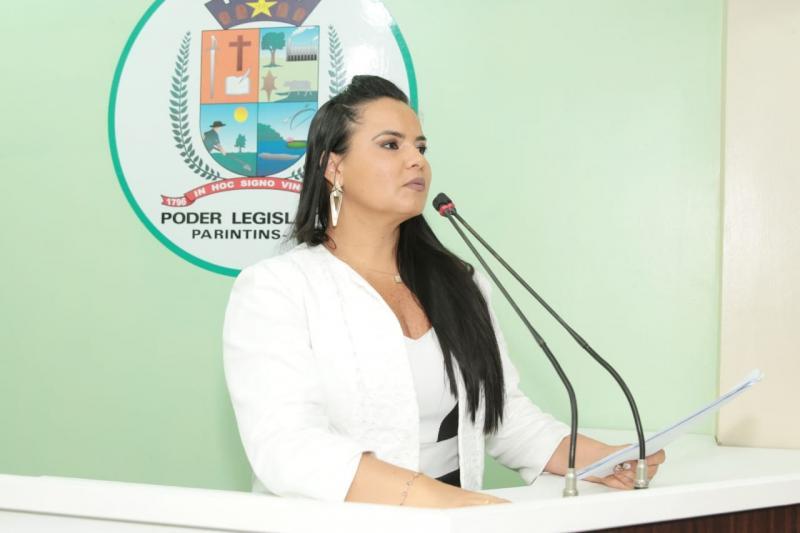 Vanessa anuncia data de audiência pública sobre energia elétrica no Baixo Amazonas