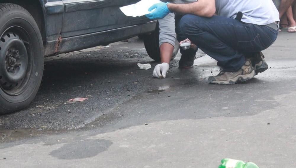Em sequestro relâmpago, motorista de app fica trancado no porta-malas enquanto criminosos cometem homicídio em Manaus