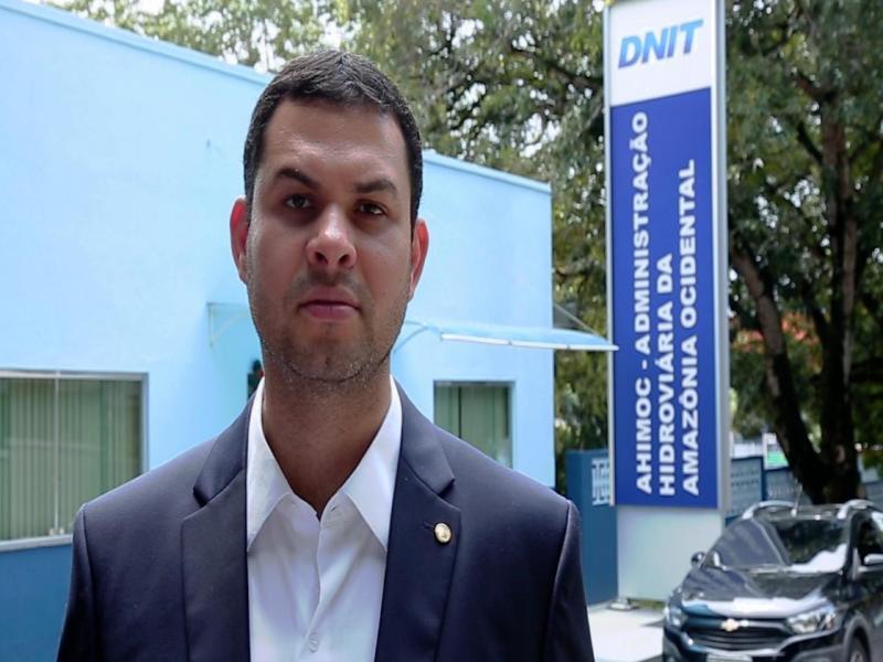 Saullo Vianna formaliza pedido para reativação do porto de Parintins