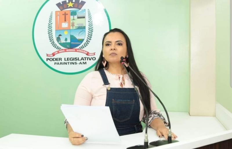 Contrária à MP 905, vereadora Vanessa manifesta apoio a jornalistas