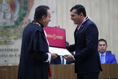 Wilson Lima recebe medalha do mérito judiciário e destaca parceria entre poderes para desenvolver o Amazonas