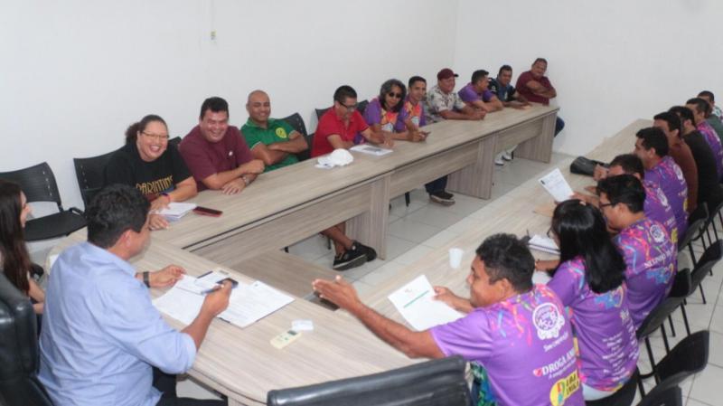 Prefeito reúne representantes de blocos para definir detalhes do Carnailha 2020