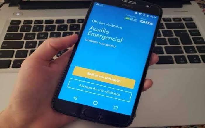 Em 12 horas, sistema que dá acesso ao auxílio de R$ 600 recebe 83 milhões de acessos