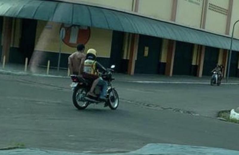 Morador de rua com Covid-19 foge de hospital e pega mototáxi em Parintins (AM)