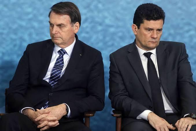 Bolsonaro tenta trocar diretor-geral da PF e Moro resiste, diz colunista