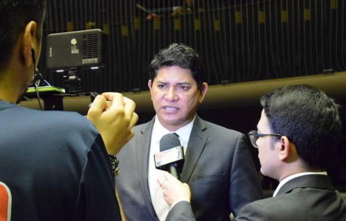 Prefeito de Parintins é absolvido por unanimidade no TJ-AM
