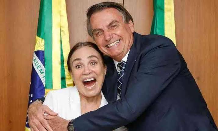 Regina Duarte deixa comando da secretaria especial de Cultura