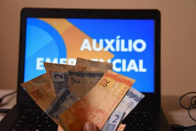 Quem receber os R$ 600 pode ter que devolver em 2021 se tiver renda maior