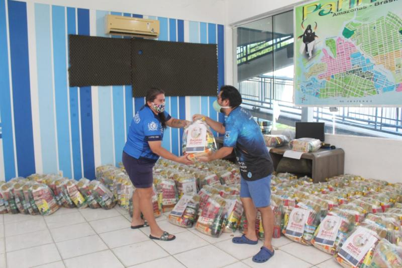 Boi Caprichoso finaliza entrega de mais de 20 toneladas de alimentos arrecadadas em live solidária