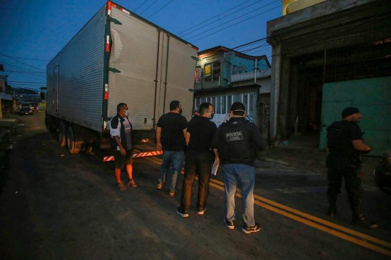 Operação mira grupo criminoso acusado de extrair 9 mil árvores no Amazonas