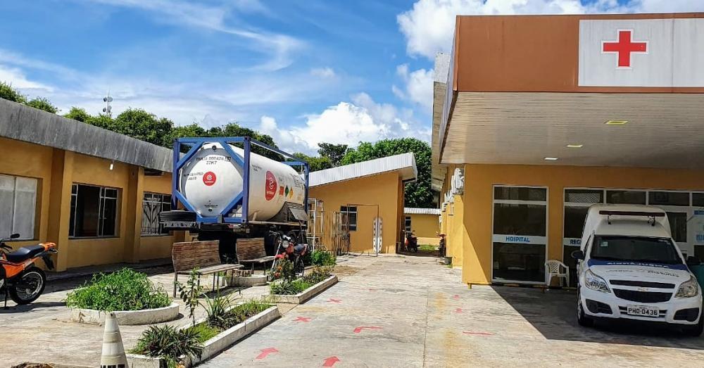 Prefeitura de Parintins instala tanque de oxigênio em hospital referência em Covid-19