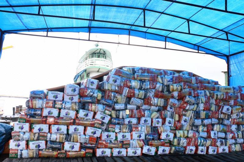 Maior remessa do 'Merenda em Casa' no interior, Parintins inicia a distribuição de kits nesta quarta (10)