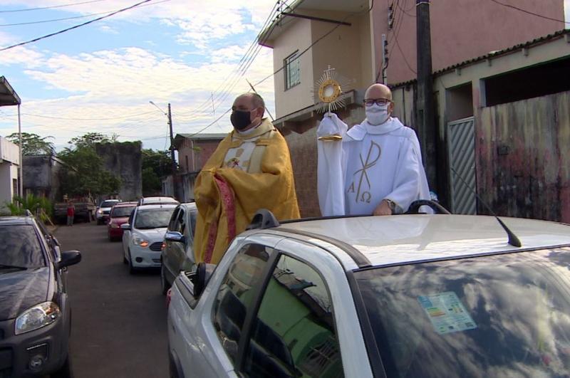 Paróquias e Áreas Missionárias de Manaus realizam carreatas em celebração a Corpus Christi