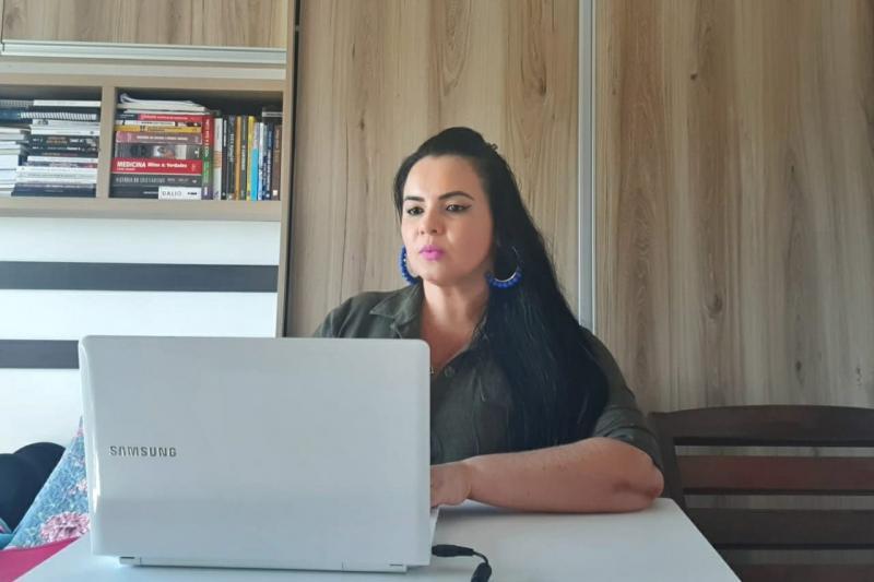 Vanessa solicita distribuição de segunda remessa de cestas básicas em Parintins